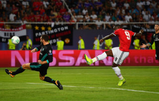 SKOPJE, MACEDONIA - AUGUST 08: Romelu Lukaku of Manchester United shoots as Daniel Carvajal of Real Madrid attempts to block during the UEFA Super Cup final between Real Madrid and Manchester United at the Philip II Arena on August 8, 2017 in Skopje, Macedonia.  (Photo by Dan Mullan/Getty Images)