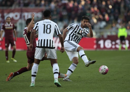 Mario Lemina (18) and Mario Mandzukic (17)  during the serie A match between Torino FC and Juventus FC  at the Olympic Stafium of Turin  on march 20, 2016 in Turin, Italy.  (Photo by Loris Roselli/NurPhoto)