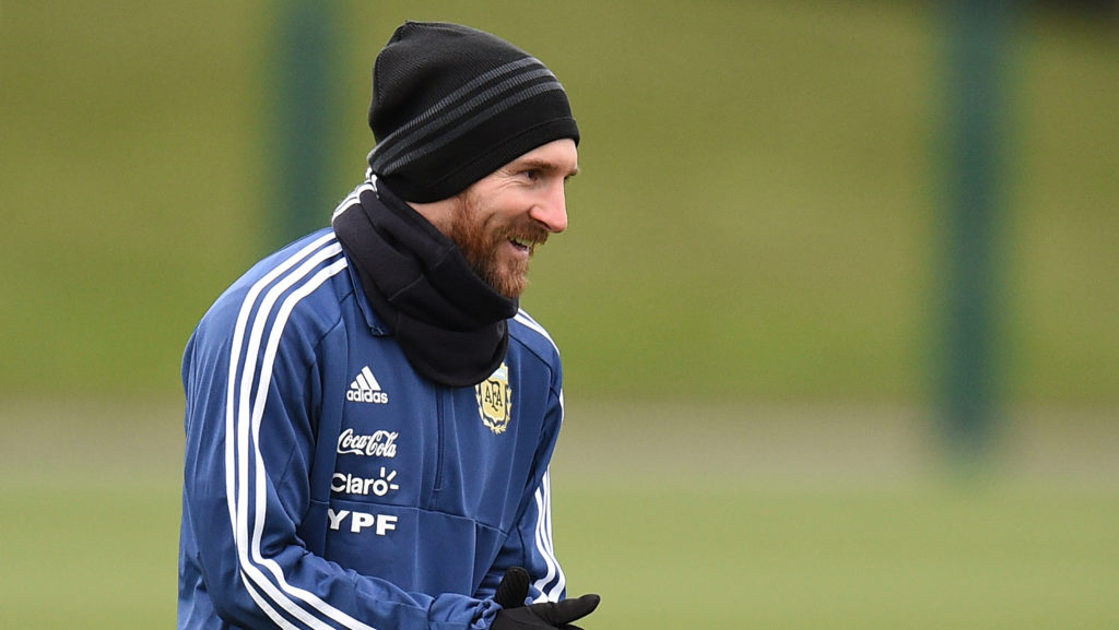 Argentina's forward Lionel Messi participates in a team training session at the City Academy training complex in Manchester, north west England on March 21, 2018 ahead of their March 23 international friendly football match against Italy at the Ethiad Stadium. / AFP PHOTO / Oli SCARFF