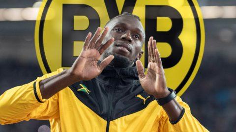 Usain Bolt arbeitet weiter an seiner Fussballkarriere. Am Freitagvorwithtag will er zusammen with den Spielern von Borussia Dortmund trainieren. FOTOMONTAGE; Usain BOLT (JAM) auf einer Ehrenrunde zum Abschied seiner Kariere, gesture,  gesture, am 13.08.2017 Leichtathletik Weltmeisterschaft 2017 in London/ Grossbritannien, vom 04.08. - 13.08.2017. Â |usage worldwide