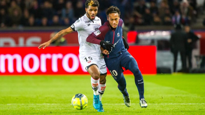 Rosier Valentin (dij) and Neymar (psg) during the French championship L1 football match between Paris Saint-Germain and Dijon on January 17, 2018 at Parc des Princes stadium in Paris, France - Photo Pierre Charlier / DPPI