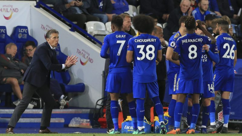 Leicester City's French manager Claude Puel (L) talks with his players during a break in play during the English Premier League football match between Leicester City and Arsenal at King Power Stadium in Leicester, central England on May 9, 2018. / AFP PHOTO / Lindsey PARNABY / RESTRICTED TO EDITORIAL USE. No use with unauthorized audio, video, data, fixture lists, club/league logos or 'live' services. Online in-match use limited to 75 images, no video emulation. No use in betting, games or single club/league/player publications.  /