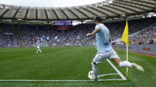 Luis Alberto of Lazio kicking a corner-kick  at Olimpico Stadium in Rome, Italy on May 6, 2018  (Photo by Matteo Ciambelli/NurPhoto)