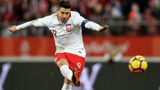 Poland's forward Robert Lewandowski shoots the ball during the international friendly football match of Poland vs Nigeria in Wroclaw, Poland, on March 23, 2018, in preparation of the 2018 Fifa World Cup. / AFP PHOTO / JANEK SKARZYNSKI