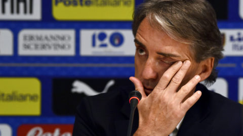 Italy's national football team newly appointed head coach, Roberto Mancini gives a press conference on May 15, 2018 at the national team's training centre at Coverciano near Florence.  Italy head coach has the task of reviving Azzurri fortunes six months after their shock failure to qualify for the World Cup 2018 in Russia. Italy have been without a permanent coach since Gian Piero Ventura was sacked after the four-time world champions failed to qualify for the World Cup for the first time since 1958.  / AFP PHOTO / Carlo BRESSAN