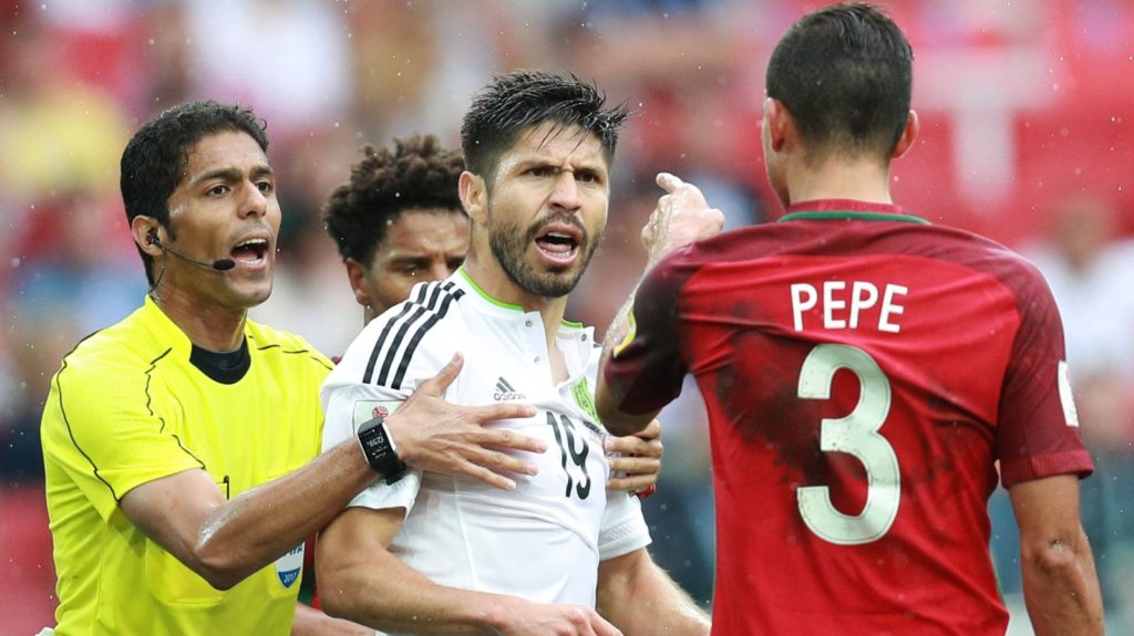 3144724 07/02/2017 From left: chief referee Fahad Al-Mirdasi, Portugal's Eliseu, Mexico's Oribe Peralta and Portugal's Pepe during the 2017 FIFA Confederations Cup third-place match between Portugal and Mexico. Anton Denisov/Sputnik