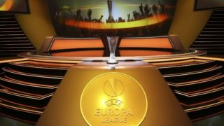 The UEFA Europa League Cup Trophy is displayed during the draw for the UEFA Europa League football group stage 2017/18, on August 25, 2017 in Monaco.  / AFP PHOTO / VALERY HACHE