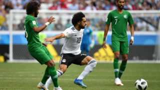 Mohamed SALAH (EGY), action, duels versus Yasir ALSHAHRANI (KSA), hi: Salman ALFARAJ (KSA). Saudi Arabia (KSA) Egypt (EGY) 2-1, Preliminary Round, Group A, Game 34, on 25.06.2018 in Volgograd, Volgograd Arena. Football World Cup 2018 in Russia from 14.06. - 15.07.2018. | usage worldwide