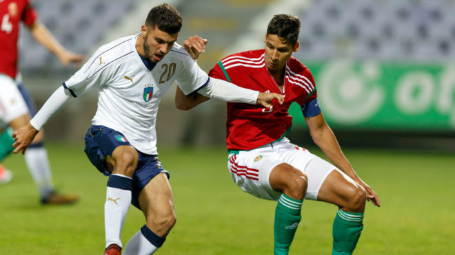 BUDAPEST, HUNGARY - OCTOBER 5: Akos Kecskes (L) of Hungary U21 competes for the ball with Patrick Cutrone #20 of Italy U21 during the International Friendly match between Hungary U21 and Italy U21 at Ferenc Szusza Stadium on October 5, 2017 in Budapest, Hungary. (Photo by Laszlo Szirtesi/Getty Images)