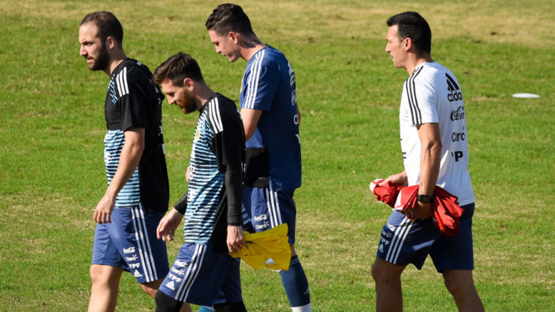 BUENOS AIRES, ARGENTINA - MAY 27: Gonzalo Higuaín and Lionel Messi walk during a training session open to the public as part of the team preparation for FIFA World Cup Russia 2018 at Tomas Adolfo Duco Stadium on May 27, 2018 in Buenos Aires, Argentina.  (Photo by Marcelo Endelli/Getty Images)
