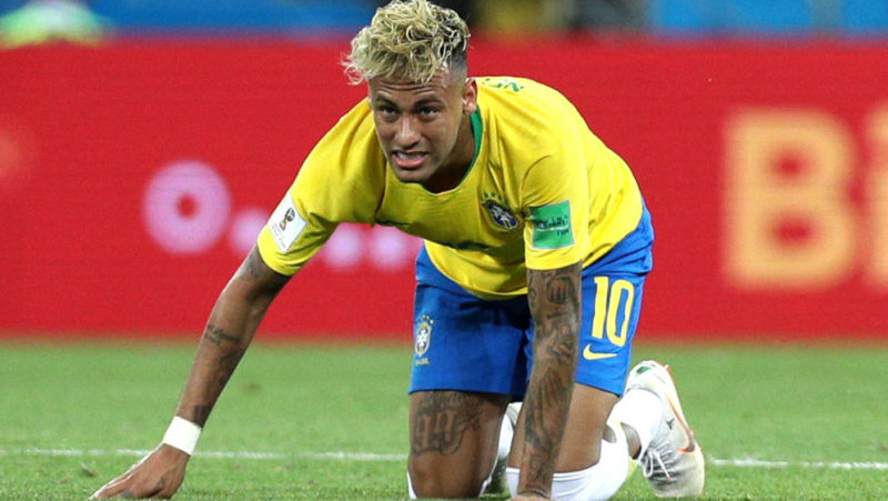 ROSTOV-ON-DON, RUSSIA - JUNE 17:  Neymar Jr of Brazil looks on from the groun during the 2018 FIFA World Cup Russia group E match between Brazil and Switzerland at Rostov Arena on June 17, 2018 in Rostov-on-Don, Russia.  (Photo by Buda Mendes/Getty Images)