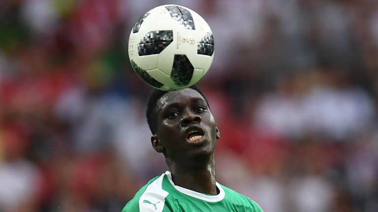 Senegal's forward Ismaila Sarr eyes the ball during the Russia 2018 World Cup Group H football match between Poland and Senegal at the Spartak Stadium in Moscow on June 19, 2018. / AFP PHOTO / Patrik STOLLARZ / RESTRICTED TO EDITORIAL USE - NO MOBILE PUSH ALERTS/DOWNLOADS