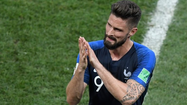 France's forward Olivier Giroud applauds as he is substituted during the Russia 2018 World Cup final football match between France and Croatia at the Luzhniki Stadium in Moscow on July 15, 2018. / AFP PHOTO / GABRIEL BOUYS / RESTRICTED TO EDITORIAL USE - NO MOBILE PUSH ALERTS/DOWNLOADS
