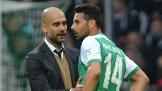 Bayern's coach Pep Guardiola talks after the game with Bremen's Claudio Pizarro (r.) after the match between Werder Bremen and Bayern Munich in the Weserstadion in Bremen, Germany, 17 October 2015. Photo: DAVID HECKER/DPA   (EMBARGO CONDITIONS - ATTENTION: Due to the accreditation guidelines, the DFL only permits the publication and utilisation of up to 15 pictures per match on the internet and in online media during the match.)