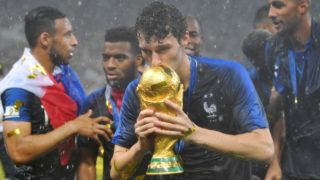 Benjamin PAVARD (FRA) kisses the trophy, cup, trophy, award ceremony, victory ceremony, action, single picture, single cut motive, half figure, half figure. France (FRA) - Croatia (CRO) 4-2, Final, Game 64, on 15.07.2018 in Moscow; Luzhniki Stadium. Football World Cup 2018 in Russia from 14.06. - 15.07.2018. | usage worldwide