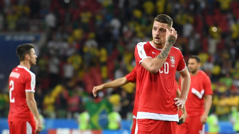 Serbia's midfielder Sergej Milinkovic-Savic looks dejected at the end of the Russia 2018 World Cup Group E football match between Serbia and Brazil at the Spartak Stadium in Moscow on June 27, 2018. Brazil won 0-2. / AFP PHOTO / Francisco LEONG / RESTRICTED TO EDITORIAL USE - NO MOBILE PUSH ALERTS/DOWNLOADS
