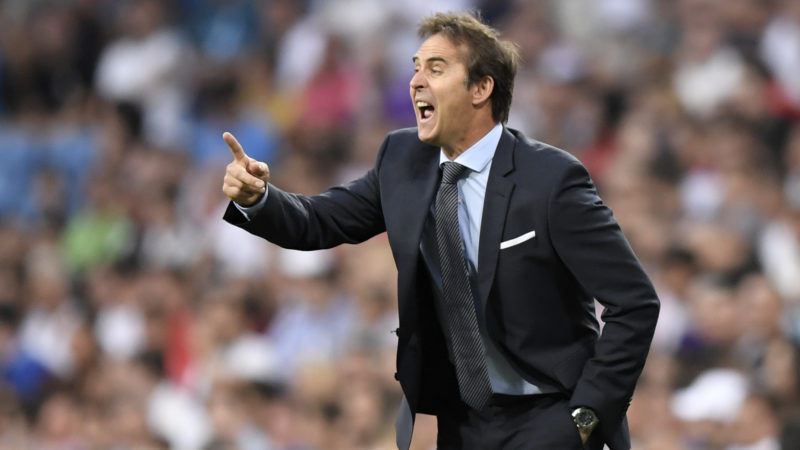 Real Madrid's Spanish coach Julen Lopetegui reacts during the Santiago Bernabeu Trophy football match between Real Madrid and AC Milan in Madrid on August 11, 2018. / AFP PHOTO / GABRIEL BOUYS