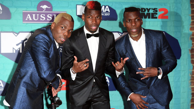 LONDON, ENGLAND - NOVEMBER 12:  Manchester United's Paul Pogba (C) and his brothers Florentin Pogba (L) and Mathias Pogba (R) attend the MTV EMAs 2017 held at The SSE Arena, Wembley on November 12, 2017 in London, England.  (Photo by Venturelli/WireImage)