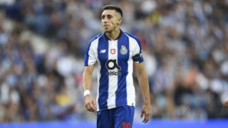 Porto's Mexican midfielder Hector Herrera reacts during a friendly football match between Porto and Newcastle United at the Dragao Stadium in Porto on July 28, 2018. / AFP PHOTO / MIGUEL RIOPA