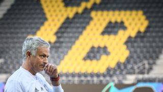 Manchester United's Portuguese manager Jose Mourinho gestures during a training session on the eve of the UEFA Champions Leaguefootball match between Bern Young Boys and Manchester United at the Stade de Suisse stadium on September 18, 2018 in Bern.  / AFP PHOTO / Fabrice COFFRINI