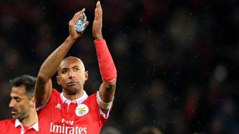 3241586 11/22/2017 Benfica's Luisao thanks fans for support after the UEFA Champions League group stage match between CSKA Moscow (Russia) and Benfica Lisbon (Portugal). Vladimir Astapkovich/Sputnik