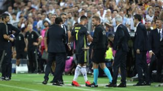 Cristiano Ronaldo of Juventus FC is conforted by Head coach Marcelino Garcia Toral of Valencia CF while he walks from the ground after he was given a red card during the UEFA Champions League, Group H football match between Valencia CF and Juventus FC on September 19, 2018 at Mestalla stadium in Valencia, Spain - Photo Manuel Blondeau / AOP Press / DPPI