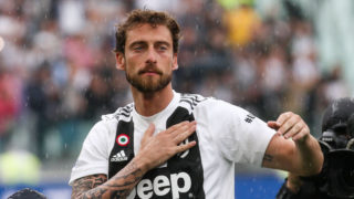 Juventus midfielder Claudio Marchisio (8) greets Juventus supporters during the Serie A football match n.38 JUVENTUS - VERONA on 19/05/2018 at the Allianz Stadium in Turin, Italy. (Photo by Matteo Bottanelli/NurPhoto via Getty Images)