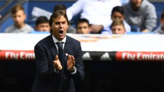 Real Madrid's Spanish coach Julen Lopetegui gives instructions to his players during the Spanish league football match Real Madrid CF against Levante UD at the Santiago Bernabeu stadium in Madrid on October 20, 2018. (Photo by GABRIEL BOUYS / AFP)