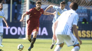 FERRARA, ITALY - APRIL 21: Federico Fazio of AS Roma in action during the serie A match between Spal and AS Roma at Stadio Paolo Mazza on April 21, 2018 in Ferrara, Italy.  (Photo by Mario Carlini / Iguana Press/Getty Images)