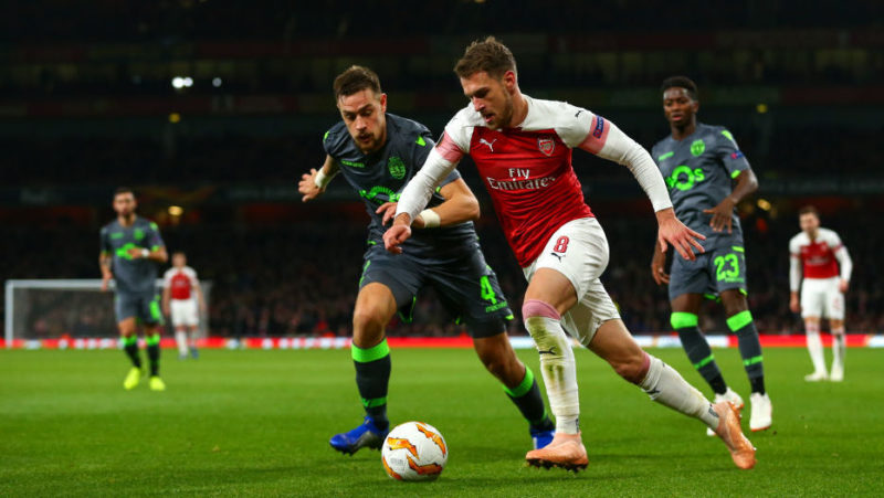 LONDON, ENGLAND - NOVEMBER 08: Sebastian Coates of Sporting CP and Aaron Ramsey of Arsenal during the UEFA Europa League Group E match between Arsenal and Sporting CP at Emirates Stadium on November 8, 2018 in London, United Kingdom. (Photo by Robbie Jay Barratt - AMA/Getty Images)