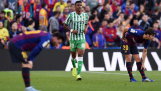 BARCELONA, SPAIN - NOVEMBER 11:  Junior Firpo of Real Betis (C) celebrates after scoring his team's first goal during the La Liga match between FC Barcelona and Real Betis Balompie at Camp Nou on November 11, 2018 in Barcelona, Spain.  (Photo by Alex Caparros/Getty Images)