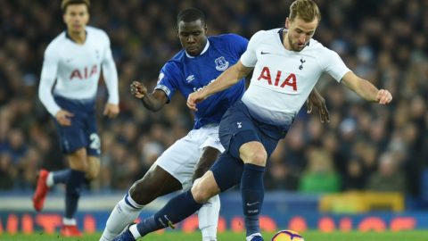 Tottenham Hotspur's English striker Harry Kane (R) takes on Everton's French defender Kurt Zouma (C) during the English Premier League football match between Everton and Tottenham Hotspur at Goodison Park in Liverpool, north west England on December 23, 2018. (Photo by Oli SCARFF / AFP) / RESTRICTED TO EDITORIAL USE. No use with unauthorized audio, video, data, fixture lists, club/league logos or 'live' services. Online in-match use limited to 120 images. An additional 40 images may be used in extra time. No video emulation. Social media in-match use limited to 120 images. An additional 40 images may be used in extra time. No use in betting publications, games or single club/league/player publications. /