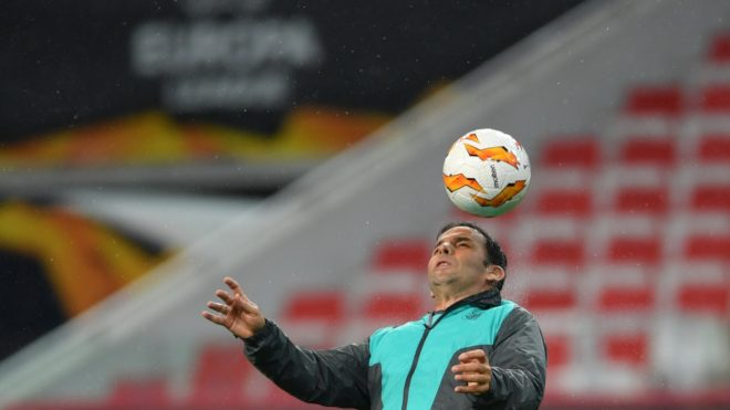 5656214 03.10.2018 Villarreal's head coach Javi Calleja heads a ball during the trainng session prior to the Europa League soccer match between Spartak Moscow and Villarreal, in Moscow, Russia, October 3, 2018. Alexey Filippov / Sputnik