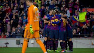 Futbol, Barceona vs Celta de Vigo El jugador del Barcelona Arturo Vidal celebra con sus compa–eros en el estadio Camp Nou de Barcelona, Espana. 22/12/2018 Joan Monfort/Photosport