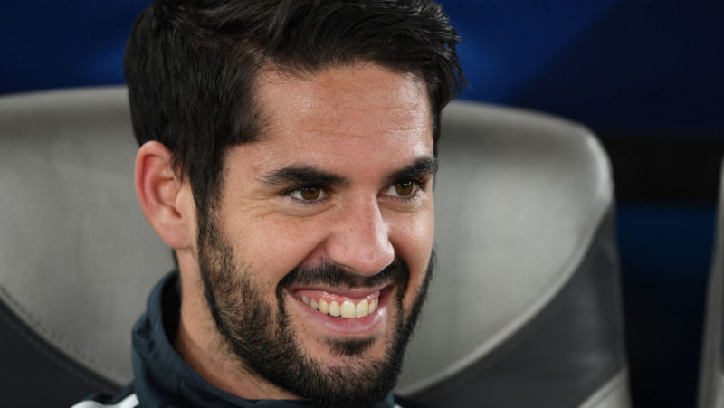ABU DHABI, UNITED ARAB EMIRATES - DECEMBER 19:  Isco of Real Madrid looks on prior to the match between Kashima Antlers and Real Madrid on December 19, 2018 in Abu Dhabi, United Arab Emirates. (Photo by Etsuo Hara/Getty Images)