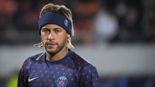 Paris Saint-Germain's Brazilian forward Neymar Jr warms up prior to the French Cup last-64 football match GSI Pontivy against Paris Saint Germain on January 6, 2019, at the Moustoir stadium in Lorient, western France. (Photo by LOIC VENANCE / AFP)