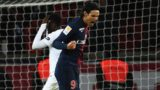 Paris Saint-Germain's Uruguayan forward Edinson Cavani (R) reacts after Guingamp's French forward Marcus Thuram missed a penalty on January 9, 2019 during the French League Cup quarter-final football match between Paris Saint-Germain (PSG) and Guingamp (EAG) on January 9, 2019, at the Parc des Princes stadium in Paris. (Photo by Anne-Christine POUJOULAT / AFP)