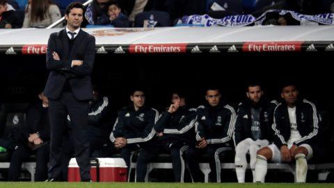 MADRID, SPAIN - JANUARY 06: Head coach of Real Madrid Santiago Solari gestures during the La Liga match between Real Madrid CF and Real Sociedad de Futbol at Estadio Santiago Bernabeu on January 06, 2019 in Madrid, Spain. Burak Akbulut / Anadolu Agency