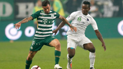 BUDAPEST, HUNGARY - SEPTEMBER 29: (l-r) Davide Lanzafame of Ferencvarosi TC competes for the ball with Vincent Onovo of Ujpest FC during the Hungarian OTP Bank Liga match between Ferencvarosi TC and Ujpest FC at Groupama Arena on September 29, 2018 in Budapest, Hungary. (Photo by Laszlo Szirtesi/Getty Images)