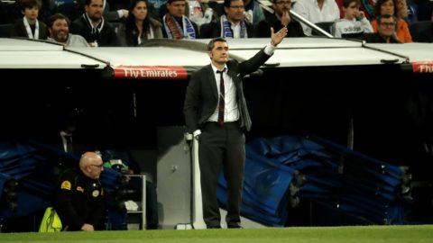 MADRID, SPAIN - MARCH 02: Head coach of Barcelona Ernesto Valverde gestures during the La Liga week 26 soccer match between Real Madrid and Barcelona at Santiago Bernabeu Stadium in Madrid, Spain on March 02, 2019.  Burak Akbulut / Anadolu Agency