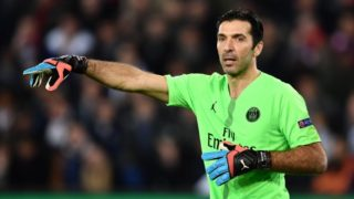 PARIS, FRANCE - MARCH 06: Gianluigi Buffon of Paris Saint Germain gives tactics to his teammates during the UEFA Champions League round of 16 second leg soccer match between Paris Saint Germain and Manchester United at Parc des Princes Stadium in Paris, France on March 06, 2019. Mustafa Yalcin / Anadolu Agency