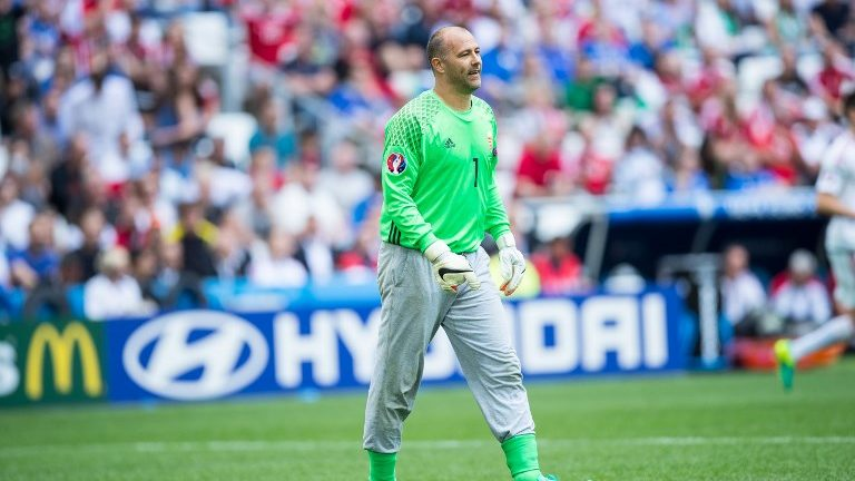 Gabor Kiraly (Wegry) during he Euro 2016 group F football match between Iceland and Hungary at the Stade Velodrome in Marseille on June 18, 2016. (Photo by Foto Olimpik/NurPhoto)