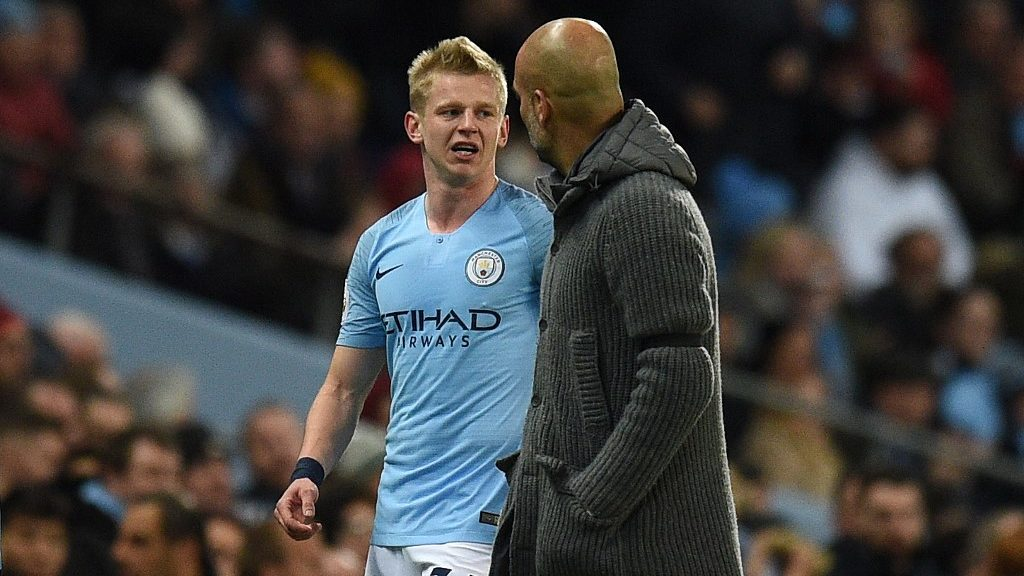 Manchester City's Ukrainian midfielder Oleksandr Zinchenko (L) leaves the pitch during the English Premier League football match between Manchester City and Cardiff City at the Etihad Stadium in Manchester, north west England, on April 3, 2019. (Photo by Oli SCARFF / AFP) / RESTRICTED TO EDITORIAL USE. No use with unauthorized audio, video, data, fixture lists, club/league logos or 'live' services. Online in-match use limited to 120 images. An additional 40 images may be used in extra time. No video emulation. Social media in-match use limited to 120 images. An additional 40 images may be used in extra time. No use in betting publications, games or single club/league/player publications. /