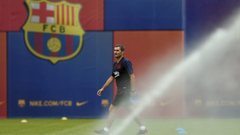 Barcelona's coach Ernesto Valverde takes part in a pre-season training session at the Joan Gamper training ground in Sant Joan Despi near Barcelona on July 31, 2019. (Photo by Josep LAGO / AFP)