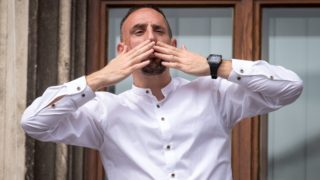 Bayern Munich's French midfielder Franck Ribery blows kisses during a celebration on the balcony of the city hall in Munich, southern Germany, on May 26, 2019 after Bayern Munich won the final of the German Cup. (Photo by Sina Schuldt / dpa / AFP) / Germany OUT