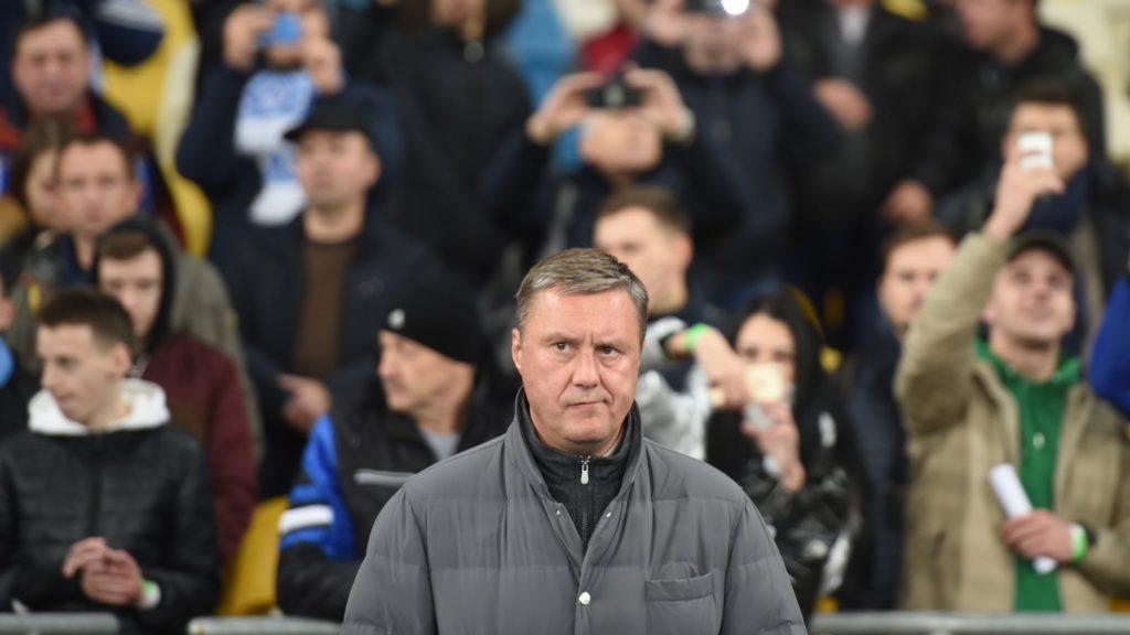 FC Dynamo Kiev coach Alyaksandr Khatskevich reacts during UEFA Europa League, Group K, football match FC Dynamo vs Stade Rennais FC at the Olympiyski Stadium in Kiev on November 8, 2018. (Photo by SERGEI SUPINSKY / AFP)