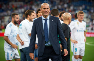 MADRID, SPAIN - AUGUST 23:  Real Madrid manager Zinedine Zidane celebrates the victory at the Trofeo Santiago Bernabeu match between Real Madrid and ACF Fiorentina at Estadio Santiago Bernabeu on August 23, 2017 in Madrid, Spain.  (Photo by fotopress/Getty Images)