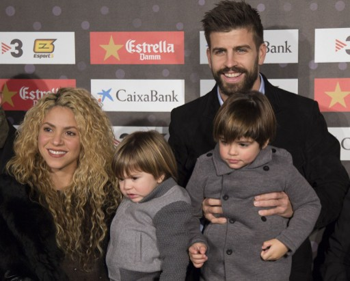 """BARCELONA, SPAIN - NOVEMBER 28: FC Barcelona player, Gerard Pique (R), with his girlfriend Shakira (L) and their sons Milan and Shasha, is seen during gala of the 5th edition of """"Catalan football stars"""" in Barcelona, Spain on November 28, 2016. Albert Llop / Anadolu Agency"""