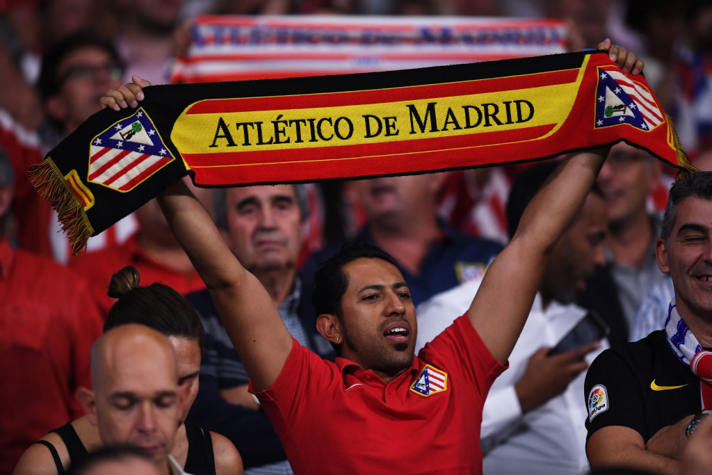 MADRID, SPAIN - SEPTEMBER 27:  Fans show their support during the UEFA Champions League group C match between Atletico Madrid and Chelsea FC at Estadio Wanda Metropolitano on September 27, 2017 in Madrid, Spain.  (Photo by David Ramos/Getty Images)