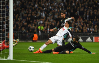 LONDON, ENGLAND - NOVEMBER 01:  Dele Alli of Tottenham Hotspur scores his side's first goal during the UEFA Champions League group H match between Tottenham Hotspur and Real Madrid at Wembley Stadium on November 1, 2017 in London, United Kingdom.  (Photo by Mike Hewitt/Getty Images)